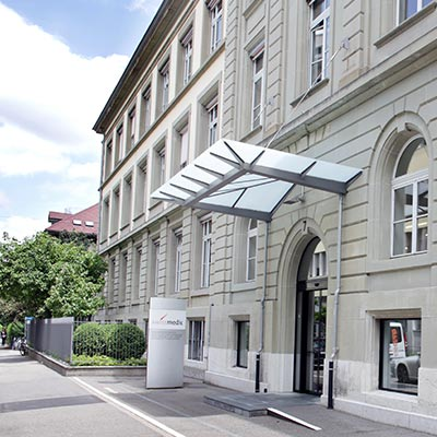 Eingang am Hauptsitz des Schweizerischen Heilmittelinstituts Swissmedic
